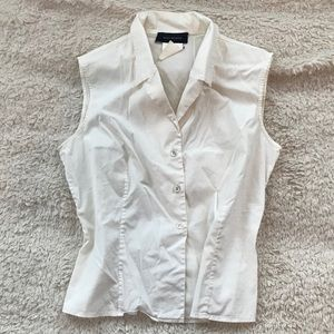 Piazza Sempione White Sleeveless Button Up Top